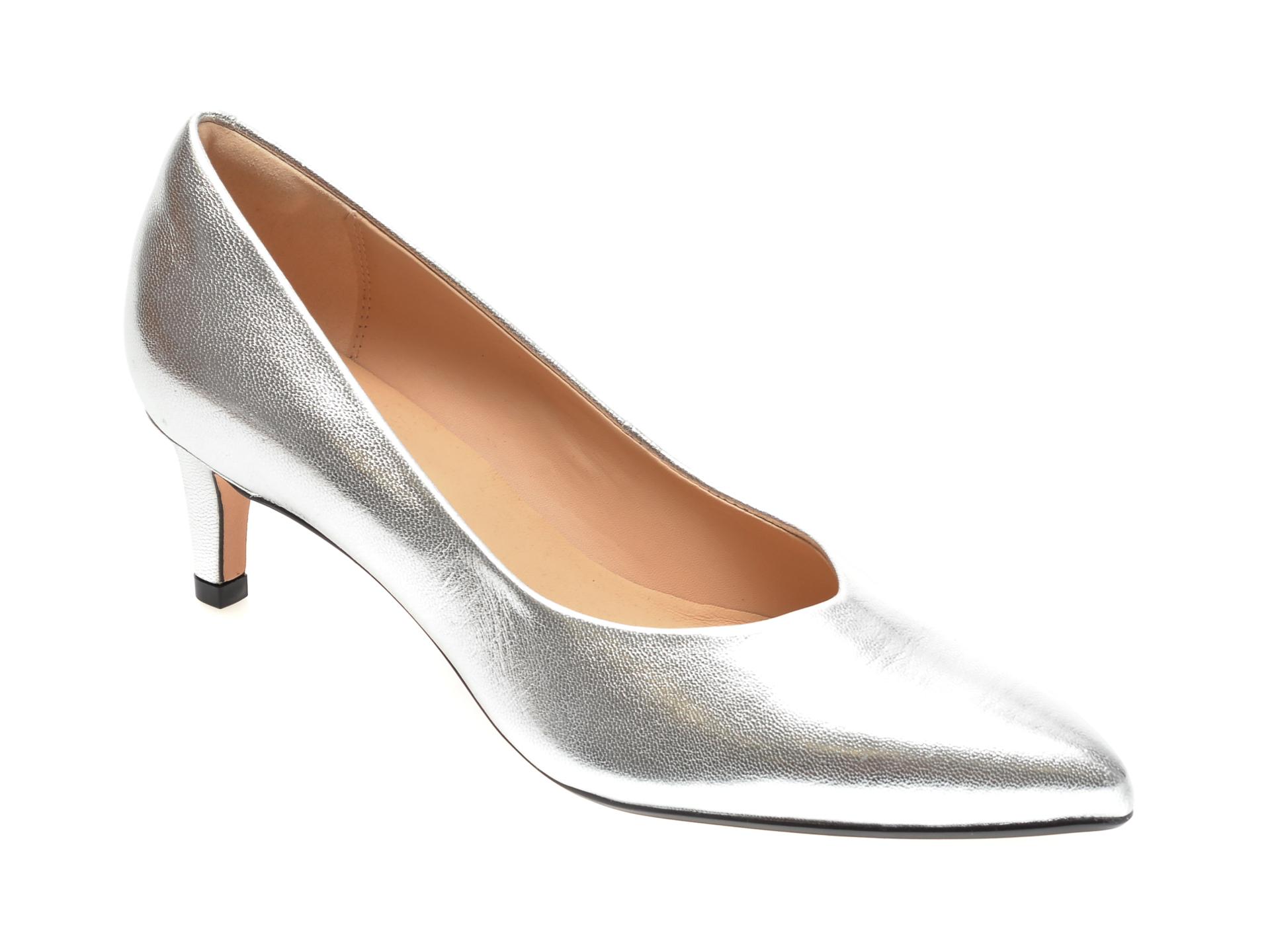 Pantofi CLARKS argintii, LAI55C2, din piele naturala lacuita